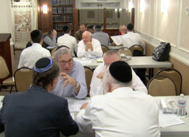 Rabbi-Gradon-&-Tables-Learning